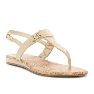 G by GUESS Women's Flat Thong Sandal Nude/beige Go